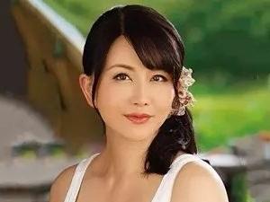 143sbd00038pl <浅井舞香・近親相姦>美人熟女の人妻が息子と本番エッチ。バック・騎馬位・フェラ。